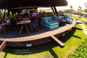 Komune-Beach-Club---Barrestaurant